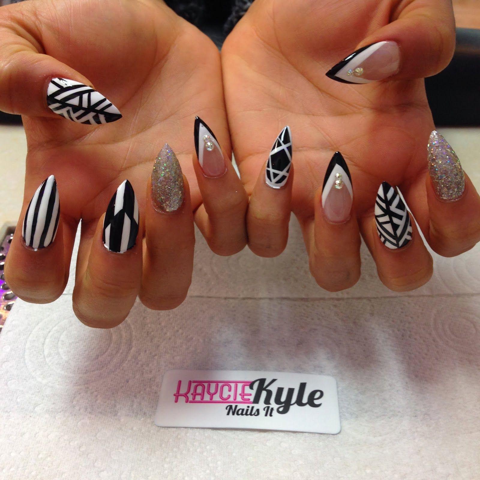 black stiletto nails - iskanje google | me: nails to do <3<3<3