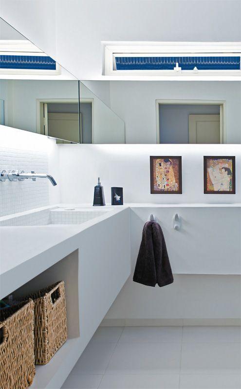 Solucao Em Branco O Banheiro Tambem Recebeu Bancada E Pia De