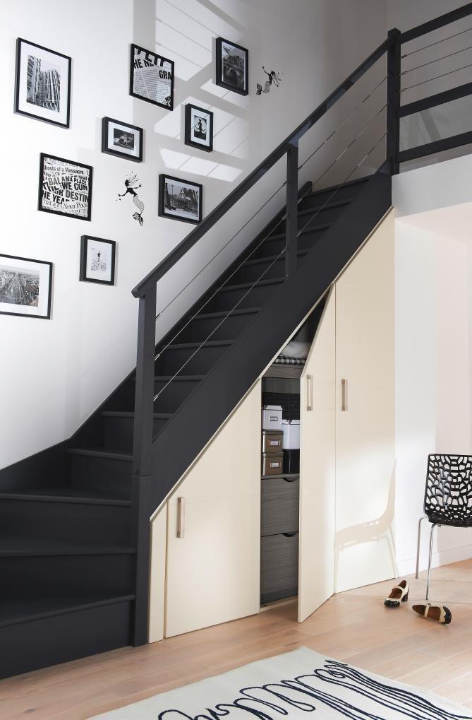 Les portes de placard sous escalier vous permettent de créer des - porte de placard sous escalier