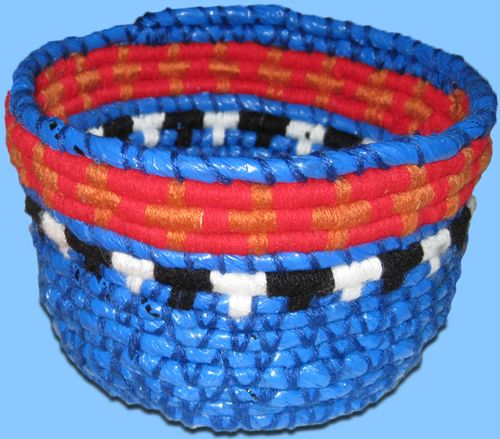 How To Make A Basket Out Of Recycled Plastic Bags Mt