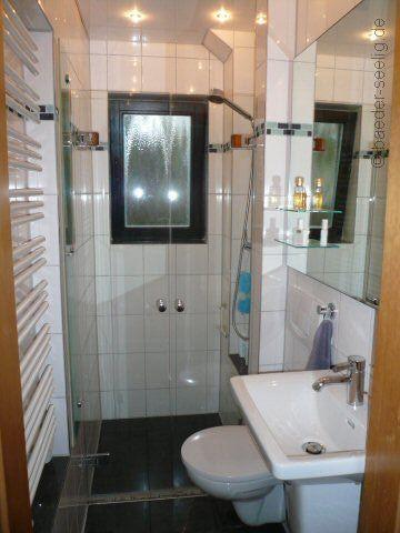 wir haben ideen f r ihr schlauchbad wohnen pinterest b der badezimmer und kleine badezimmer. Black Bedroom Furniture Sets. Home Design Ideas