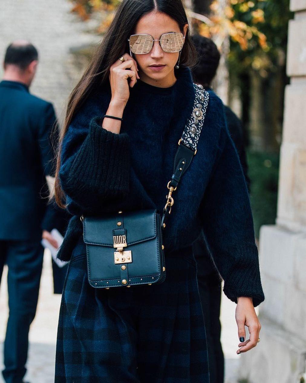 1,041 отметок «Нравится», 2 комментариев — Stylesight Spotlight® (@stylesightspotlight) в Instagram: «◇ Fashion Week: Street Style HIGHLIGHTS during @parisfashionweek via @britishvogue credit to…»