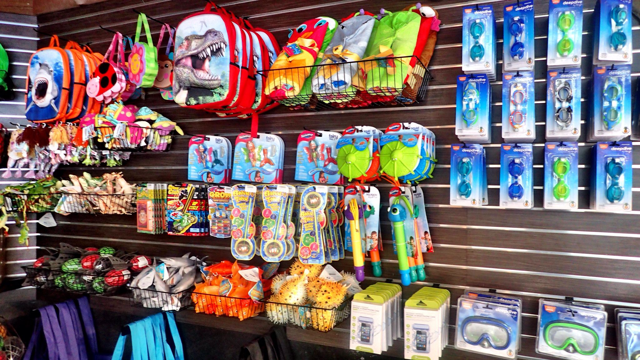 Forget your goggles? We've you covered at Relic Retail! Stop in for all your waterpark essentials! #CamelbackLodge