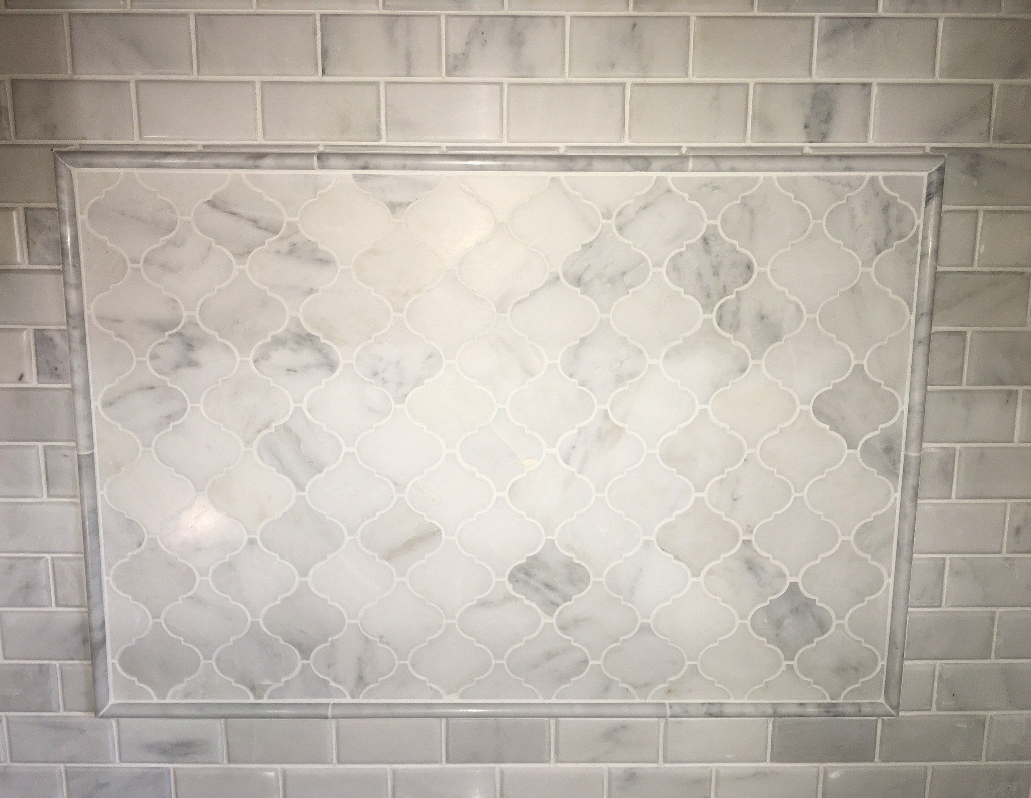 Venato Carrara Honed Marble 2x4 Beveled Subway Tile Sheet Size 12x12 Material Thickness 3 8 Subwa Kitchen Backsplash Trends Kitchen Design Diy Luxury Tile