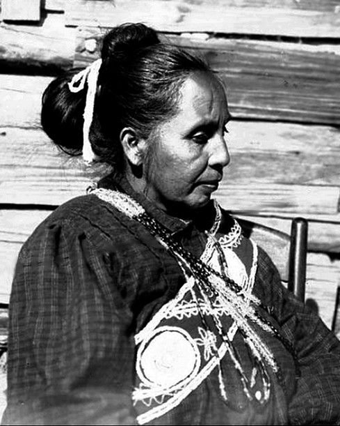 Choctaw woman, Heleema called Louise, wearing traditional