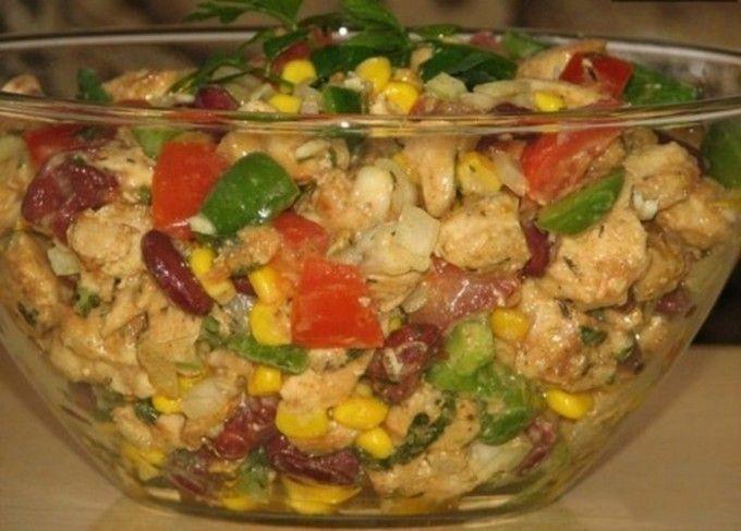 Kuřecí salát bez majonézy s medově hořčicovým dresinkem
