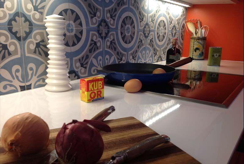 une cuisine en 3 semaine chrono cr dence en carreaux de ciment peinture farrow ball elodie. Black Bedroom Furniture Sets. Home Design Ideas