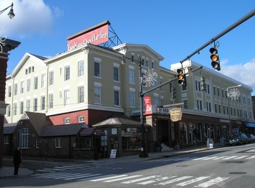 Yankee Pedlar Inn Torrington Where The Movie Innkeepers Took Place
