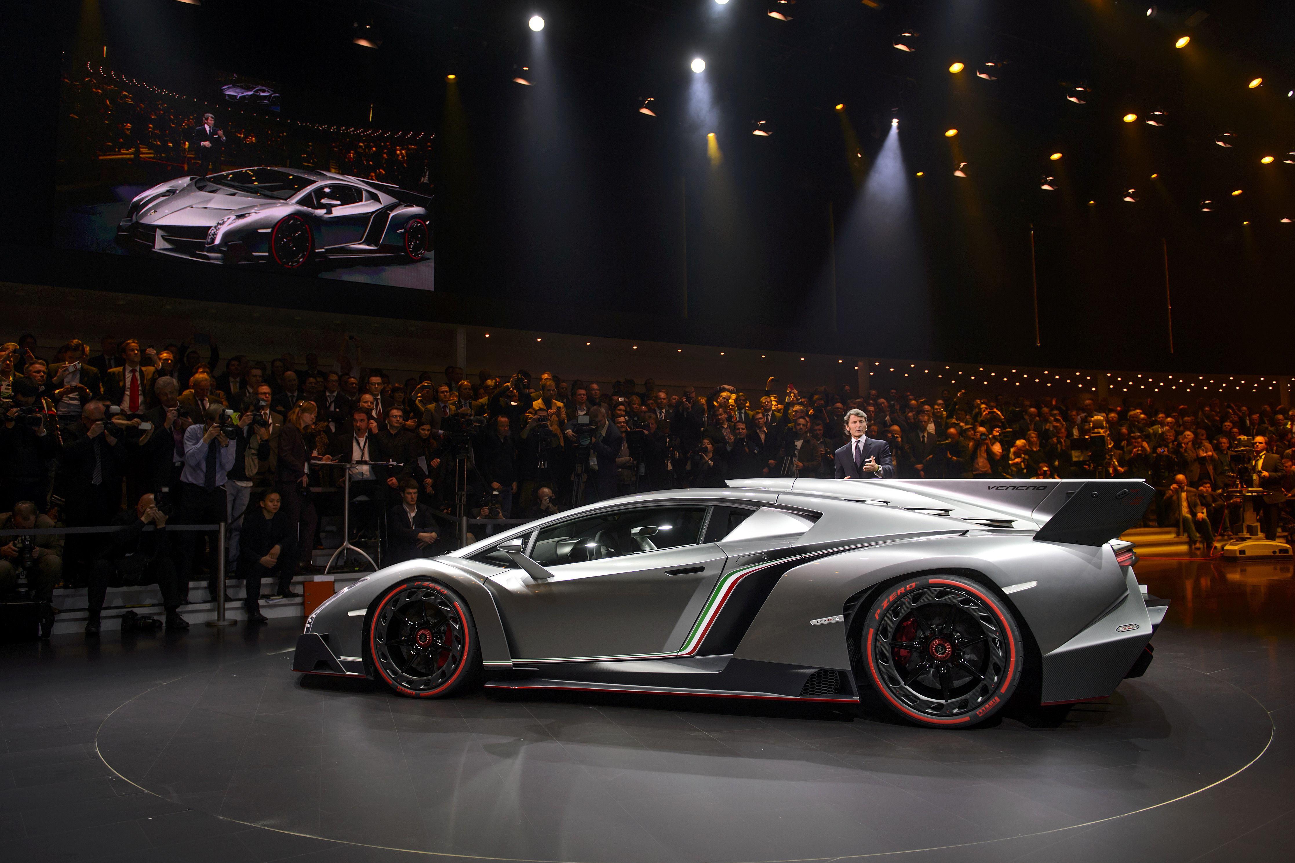 Photos Lamborghini S New 3 9 Million Veneno Supercar Lamborghini Veneno Super Cars Lamborghini