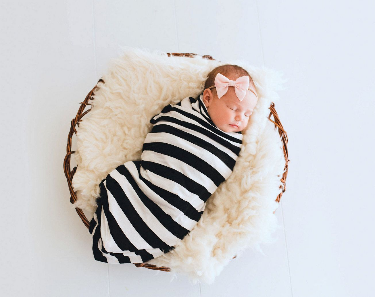 Last week, Tally and I went on a little date over to visit Samantha Miller who took these gorgeous newborn photos. I haven't had newborn photos taken since Ella was a baby, and I didn't…