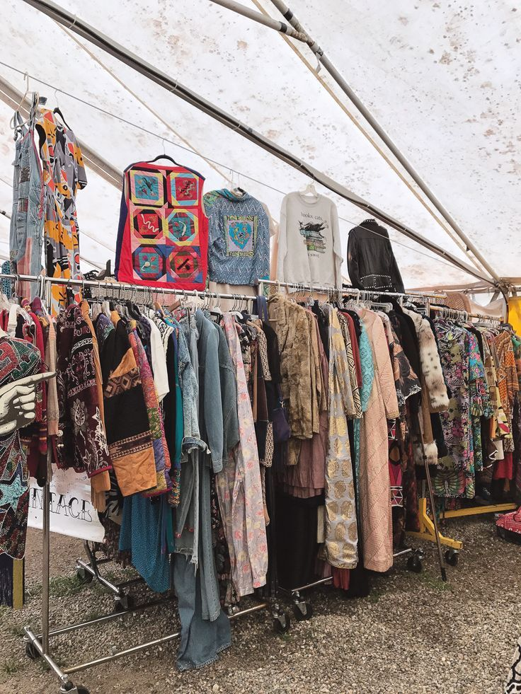 Brimfield Flea Market Guide - How To Shop Vintage at the Flea Market