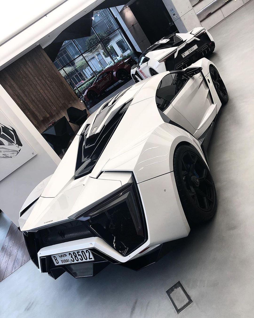 L�ks Arabalar Duvar Ka��d�  #cars #luxurycars #sportcars #conceptcars #motorcycles #trucks