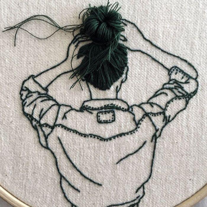 Cette artiste crée des broderies de femmes avec les cheveux en 3D