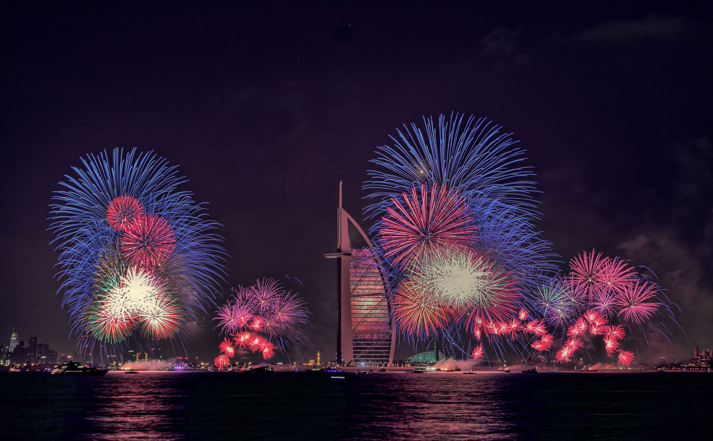dubai new year screensavers