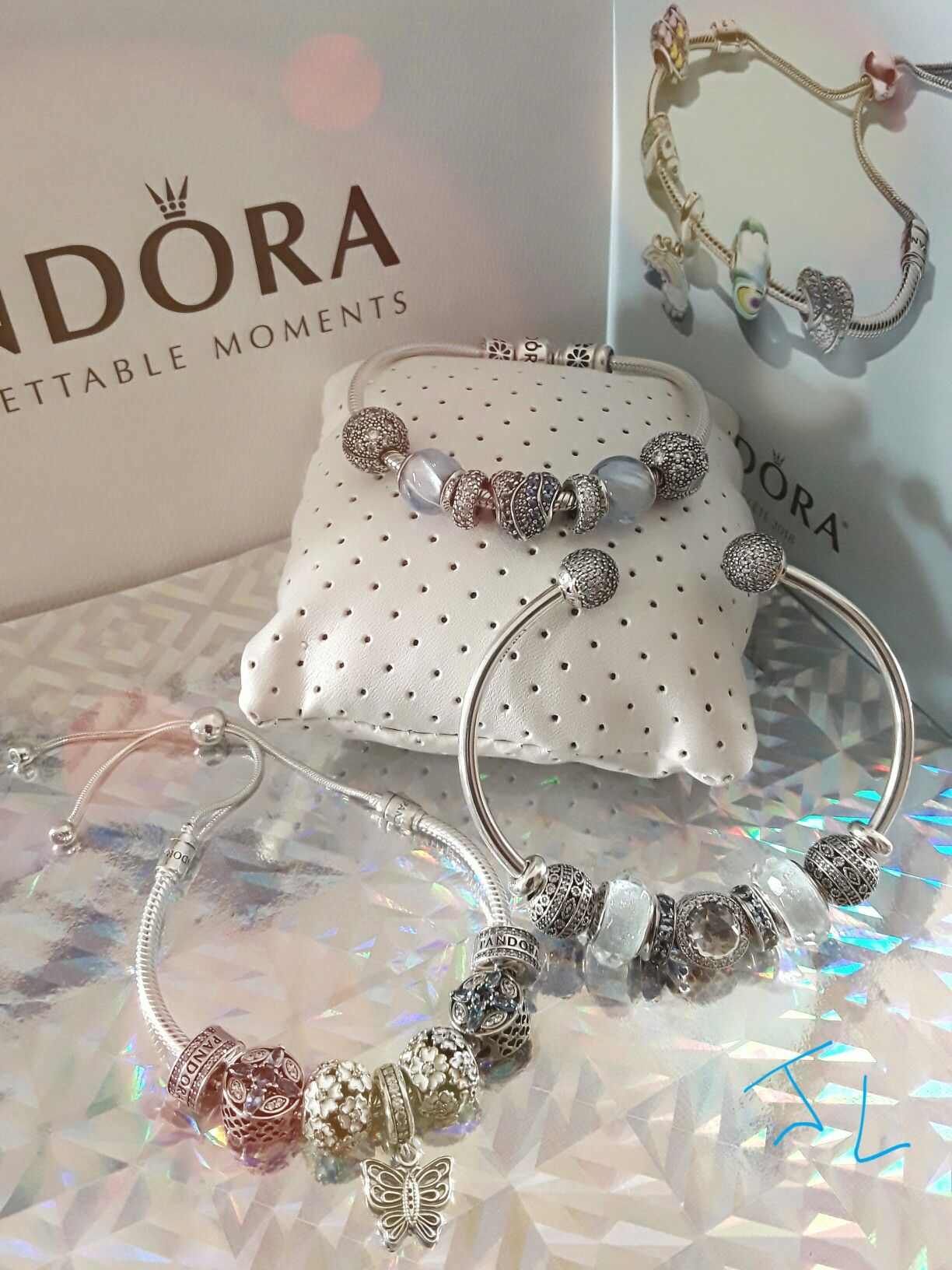 bracelet jonc coulissant pandora moments