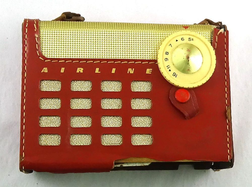 Montgomery Ward Airline personal portable radio battery 4-tube vintage 1956