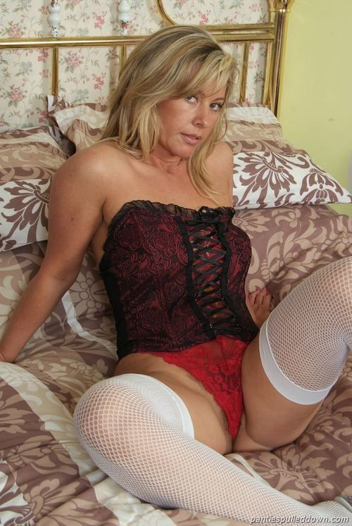 festus milf women Milf jerks huge load 92% 307,521 visitas  festus hagen december 5, 2012  some women can't hide that all they are thinking is it's a paycheck,.