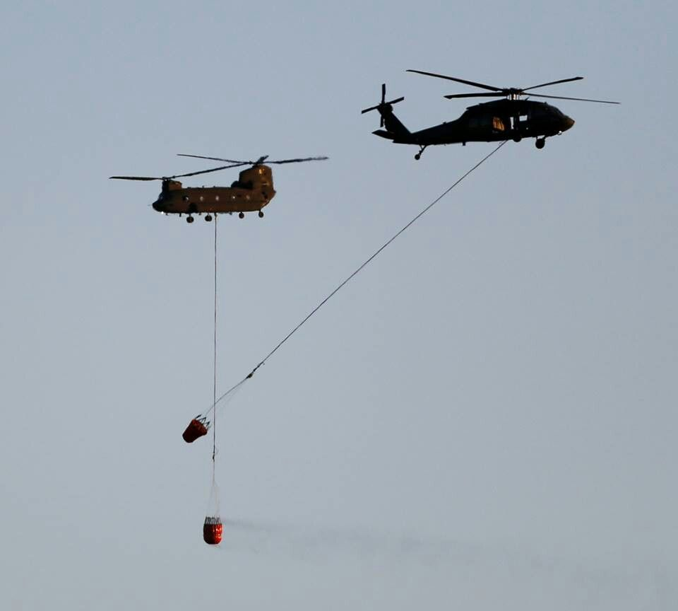 Helicopters with slurry at the #BlackForestfire.