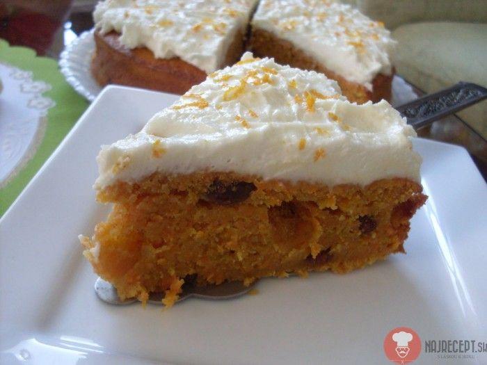 Mrkvová torta. Tento recept je druhý odskúšaný z knihy od Polákovej a opäť musím povedať, že to bolo skvelé. Torta je veľmi svieža, šťavnatá a ten krém..