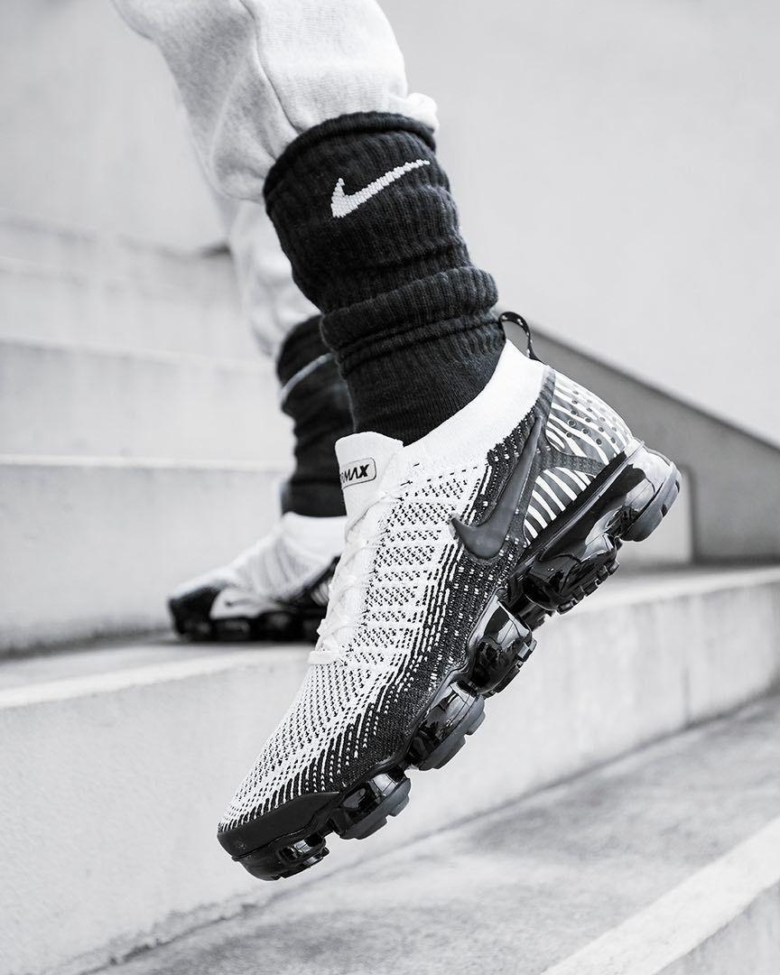 best website 4ca9a b354b Nike Air VaporMax Flyknit 2 « Zebra » | Fresh Sneakers ...