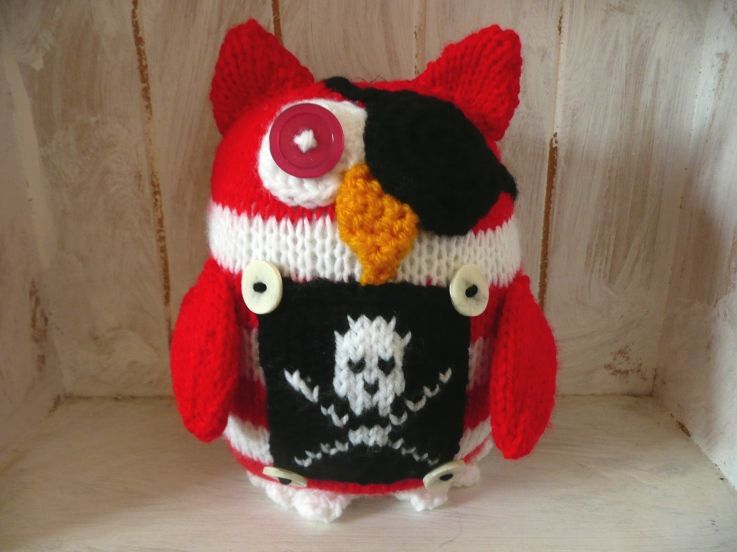 knitted pirate owl