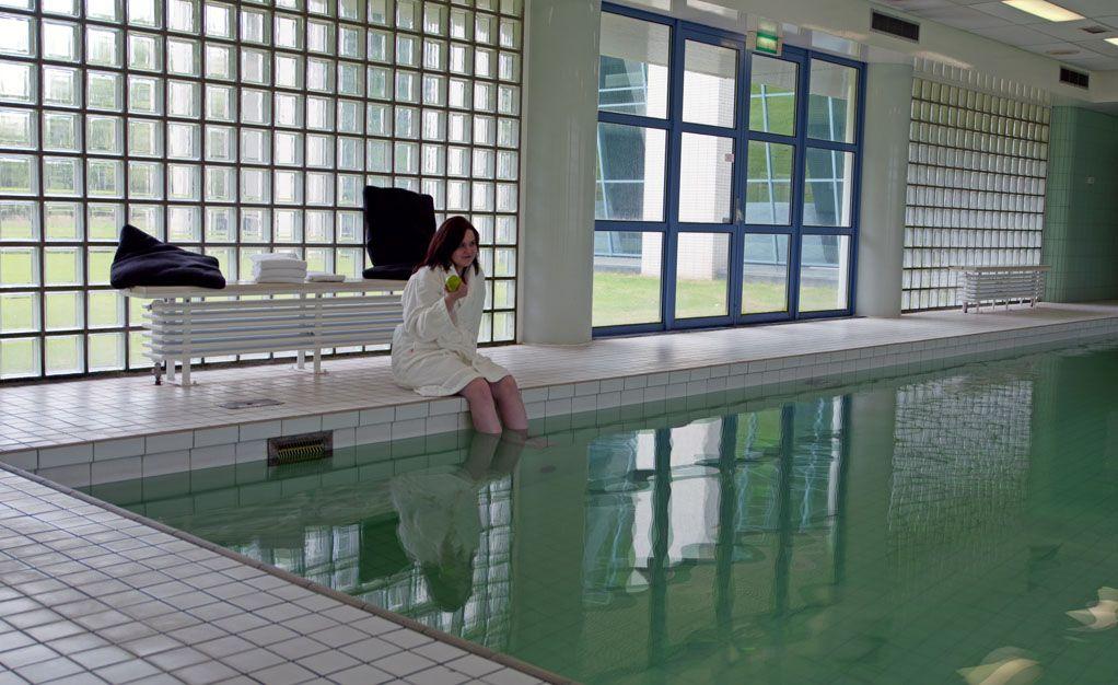Het zwembad in het Hampshire Hotel - Groningen Plaza.
