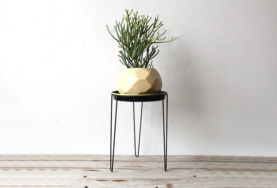 Modern Metal Hairpin Plant Stand & Tray by GallivantingGirls