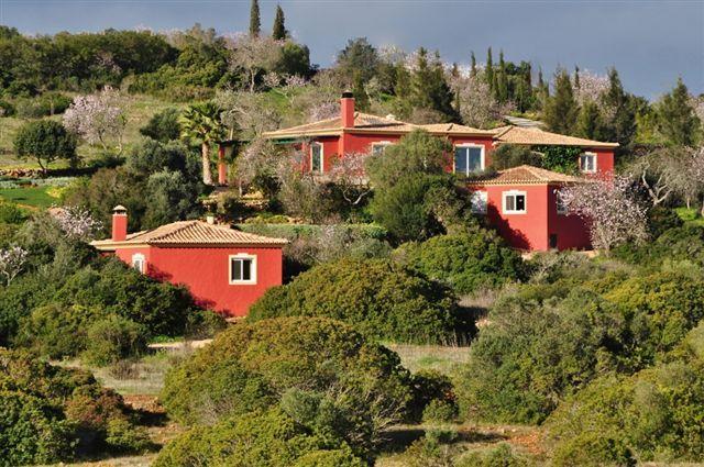 Barão S. João - Beautiful Quinta with main villa , 2 guesthouses and pool