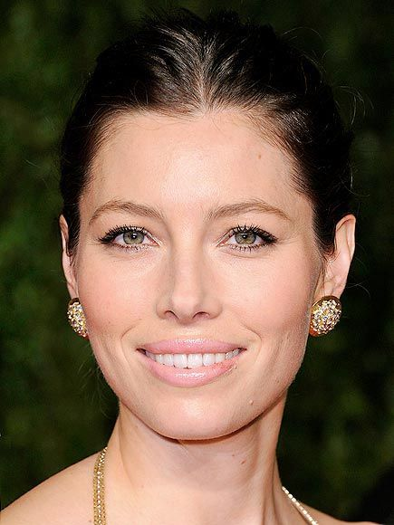Mode demploi : le make-up nude de Jessica Biel