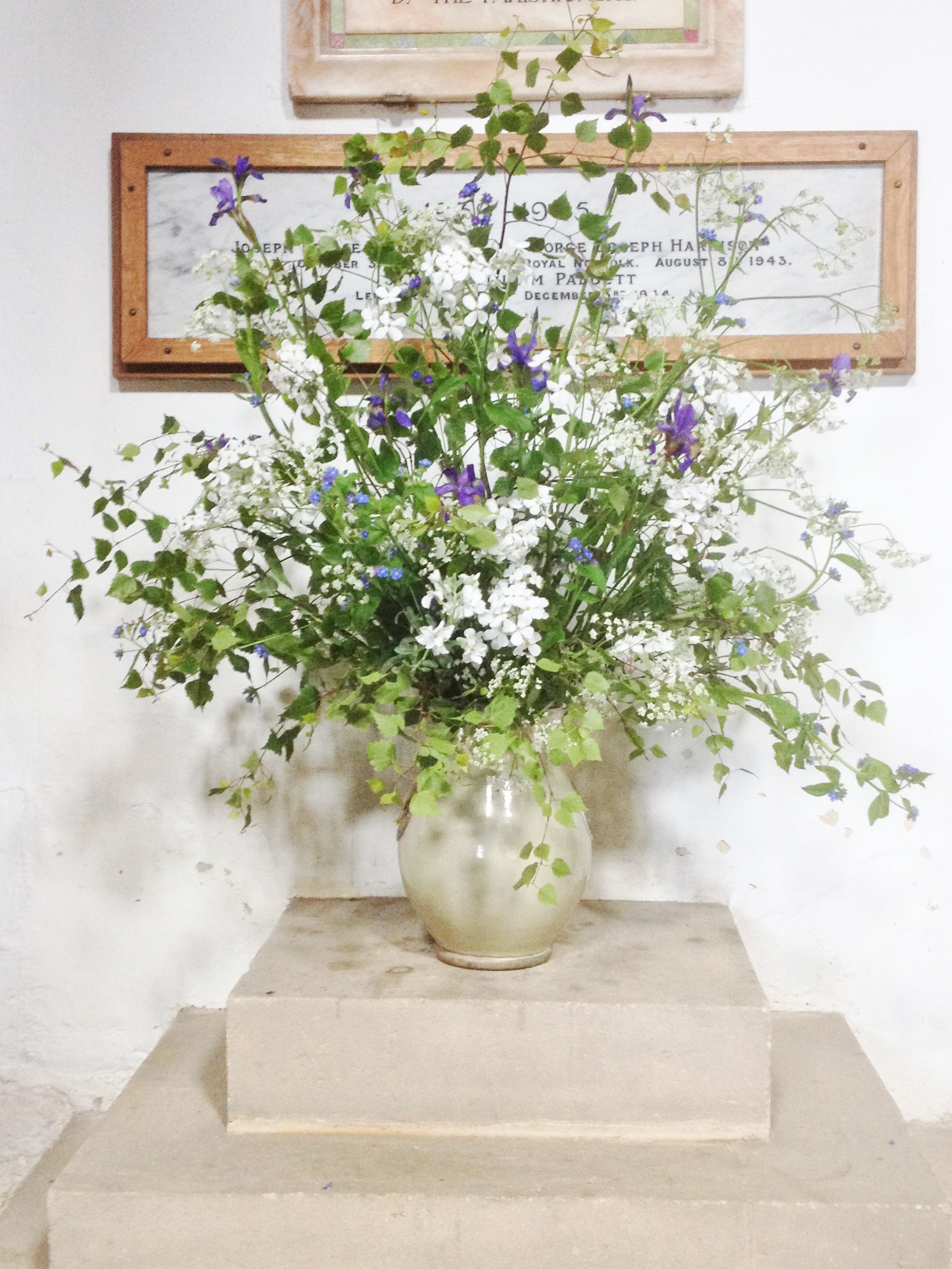 Spring Wedding Flowers For The Church In Knossington Arrangements