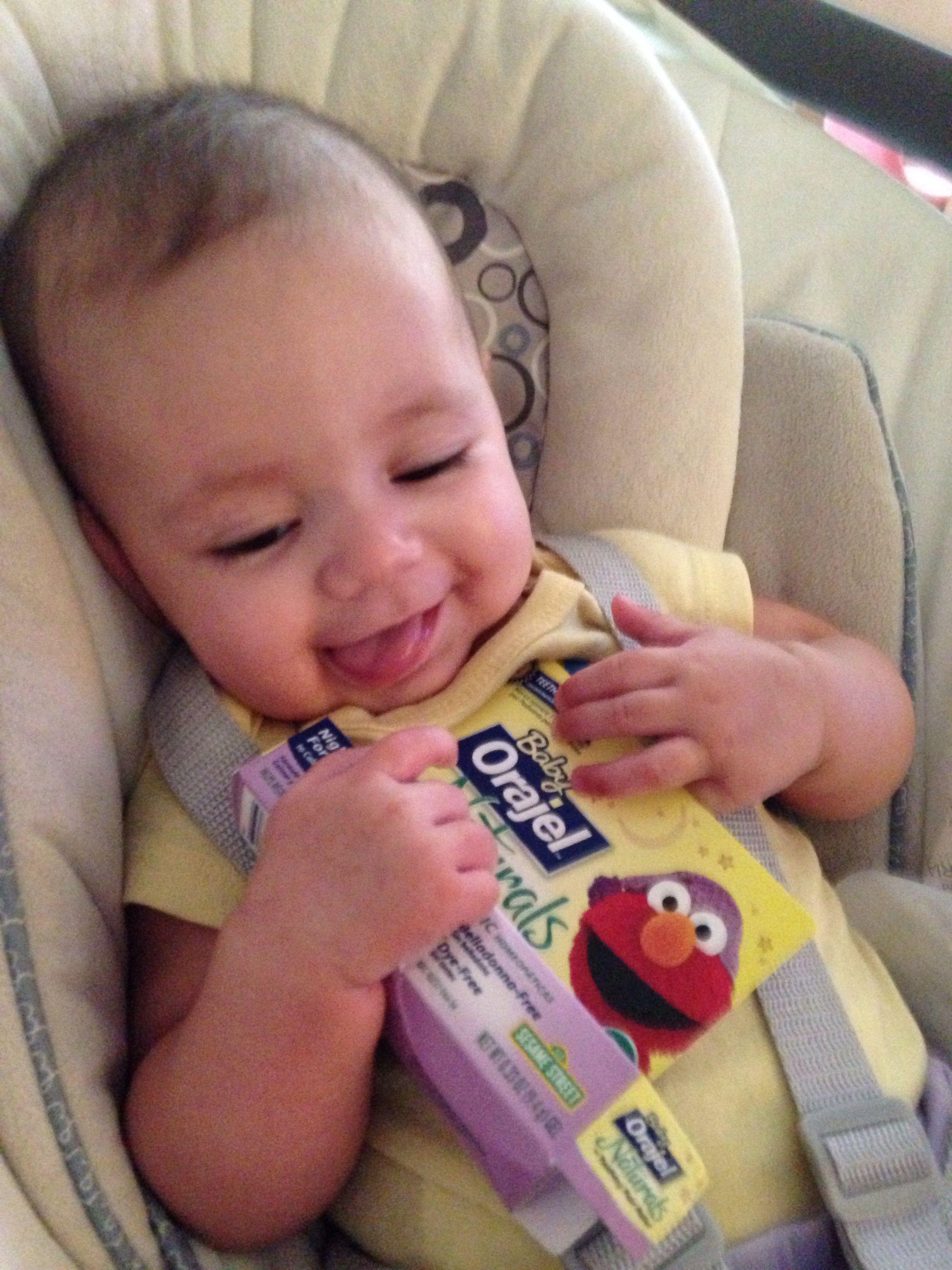 soothing relief with baby orajel naturals teething gel we love it benzocaine belladonna