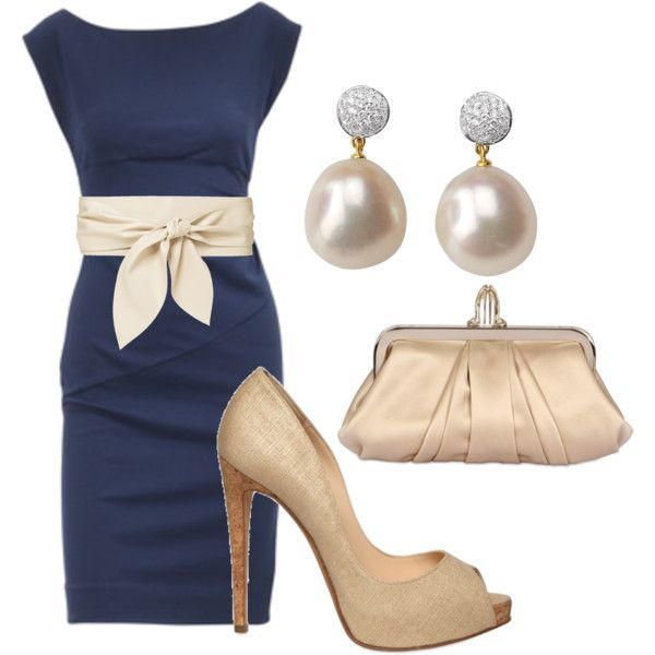 Navy dress, nude heels, and pearls