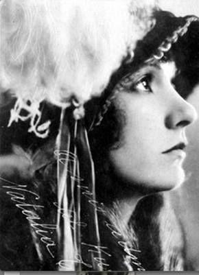 Natalie Talmadge 1923
