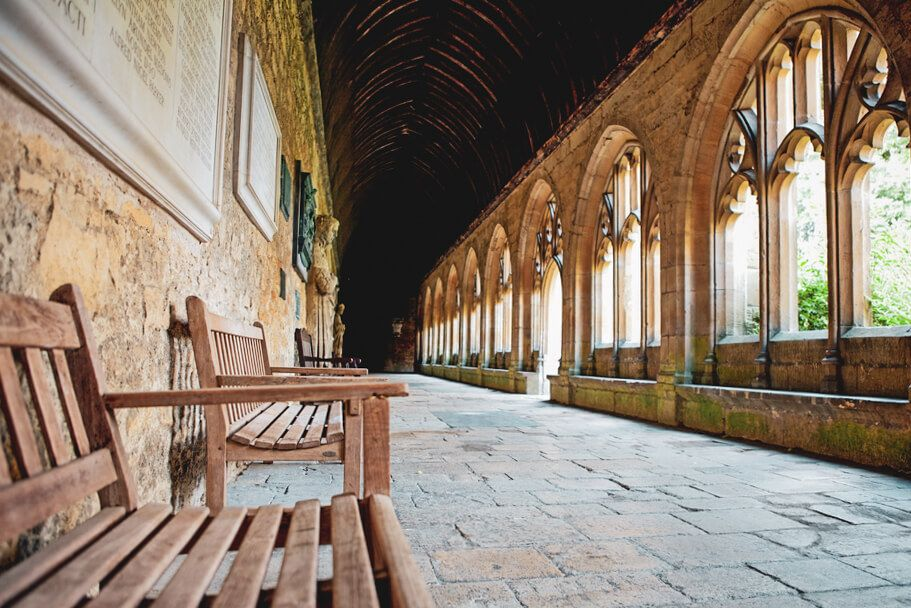 20 Hogwarts Locations Revealed Here S Your Ultimate Guide To Visiting Hogwarts In Real Life Where Is Hogwarts Where Is Hogwarts Located Hogwarts Location