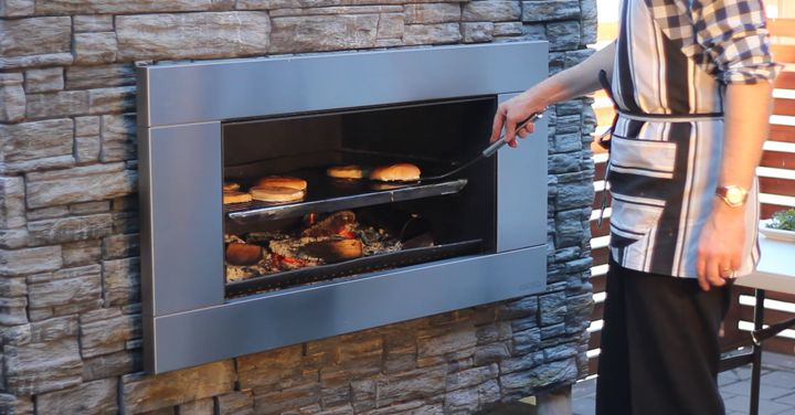 Video: Truly Authentic BBQ with Esceas EW5000 cooking wood fire ...