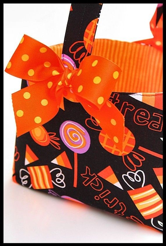 Boutique Halloween Candy basket bucket Trick or by ladesigns2, $24.00