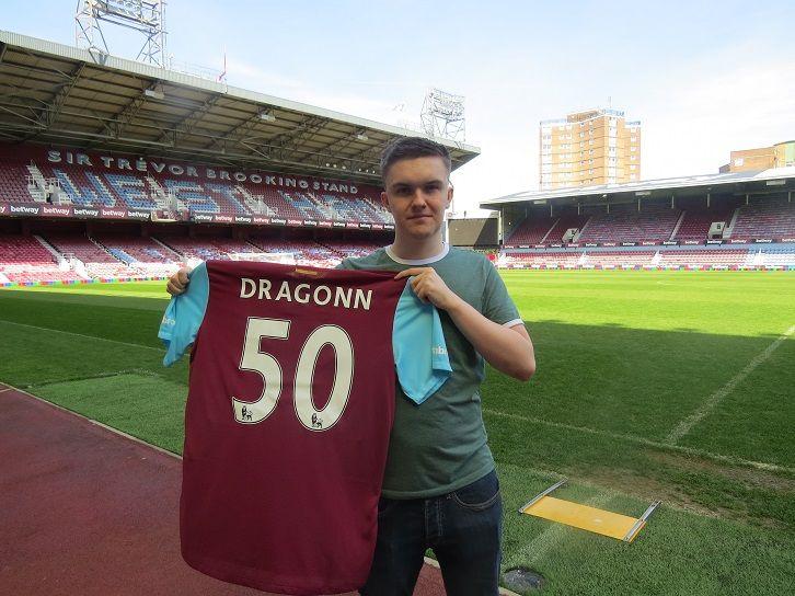 Jogador de FIFA é contratado pelo West Ham