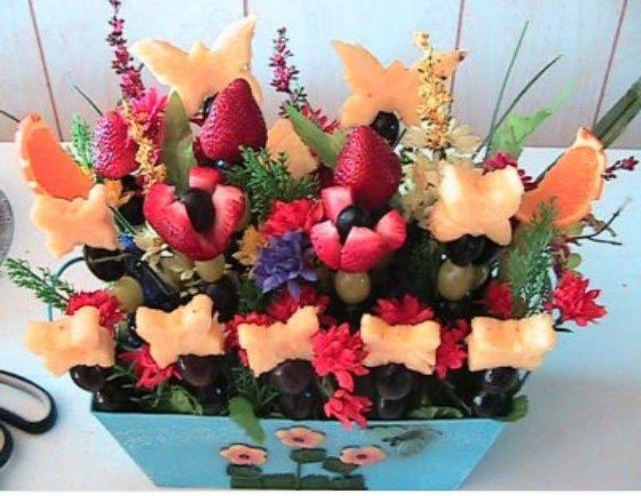 Edible arrangements by queenie on creative mind baskets