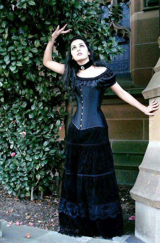 5e9c01116f4 Pin lisääjältä karppa taulussa Gothic and steampunk lifestyle ...