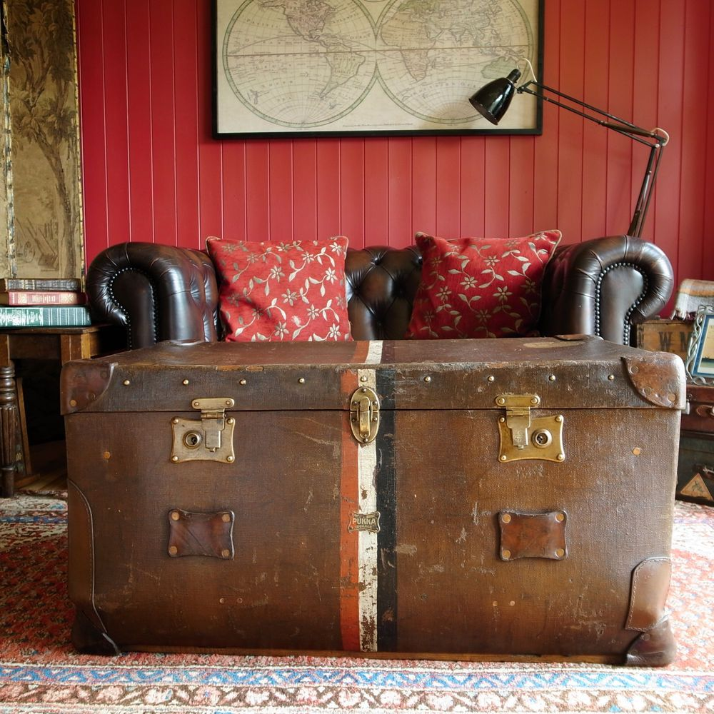 VINTAGE STEAMER TRUNK Storage Chest 1920s LUGGAGE Travel Trunk COFFEE TABLE  Box