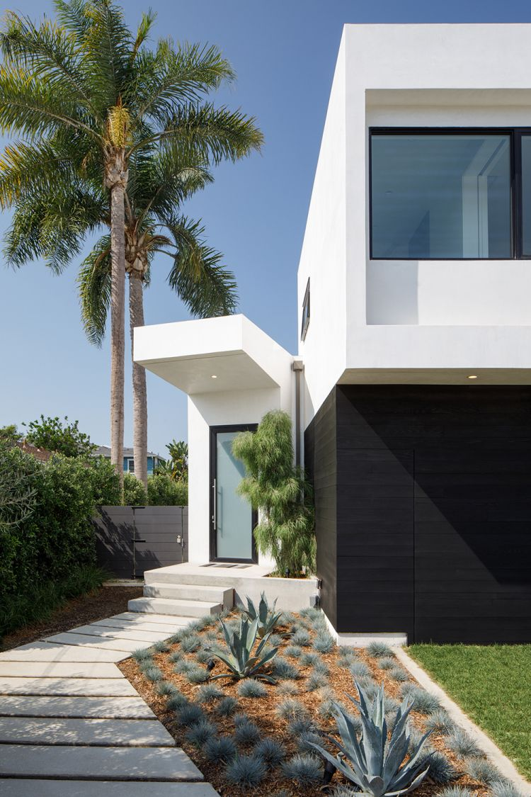 Venice Beach Residence By Griffin Enright Architects Venice Beach House Facade Design Venice Beach