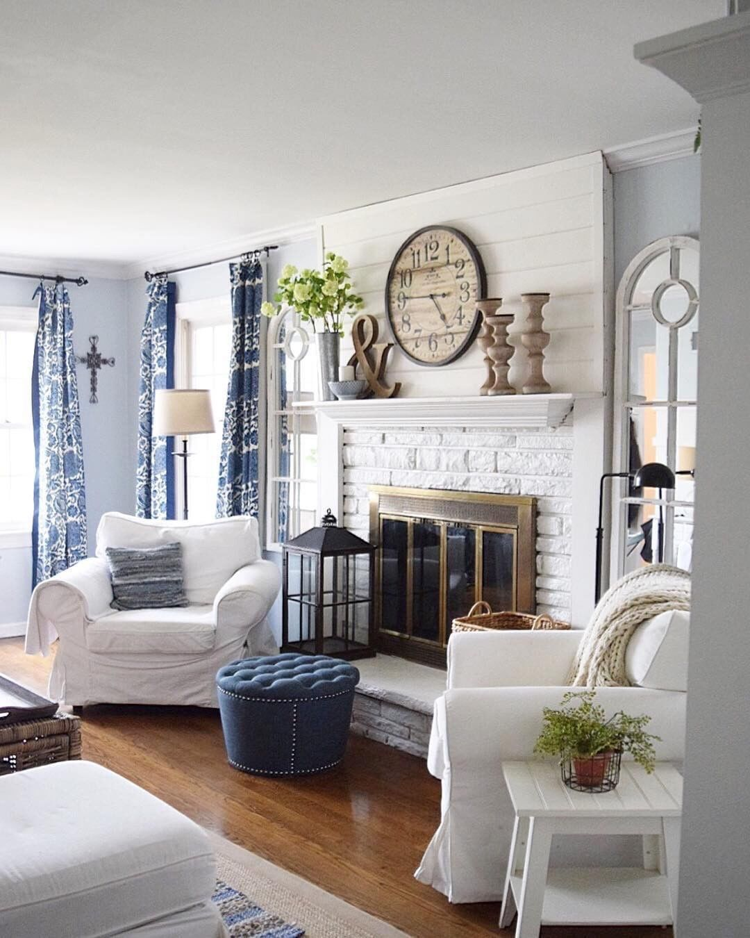 Nice Living Rooms Designs: Maybe I Need Chairs Like This On Each Side Of My Fireplace