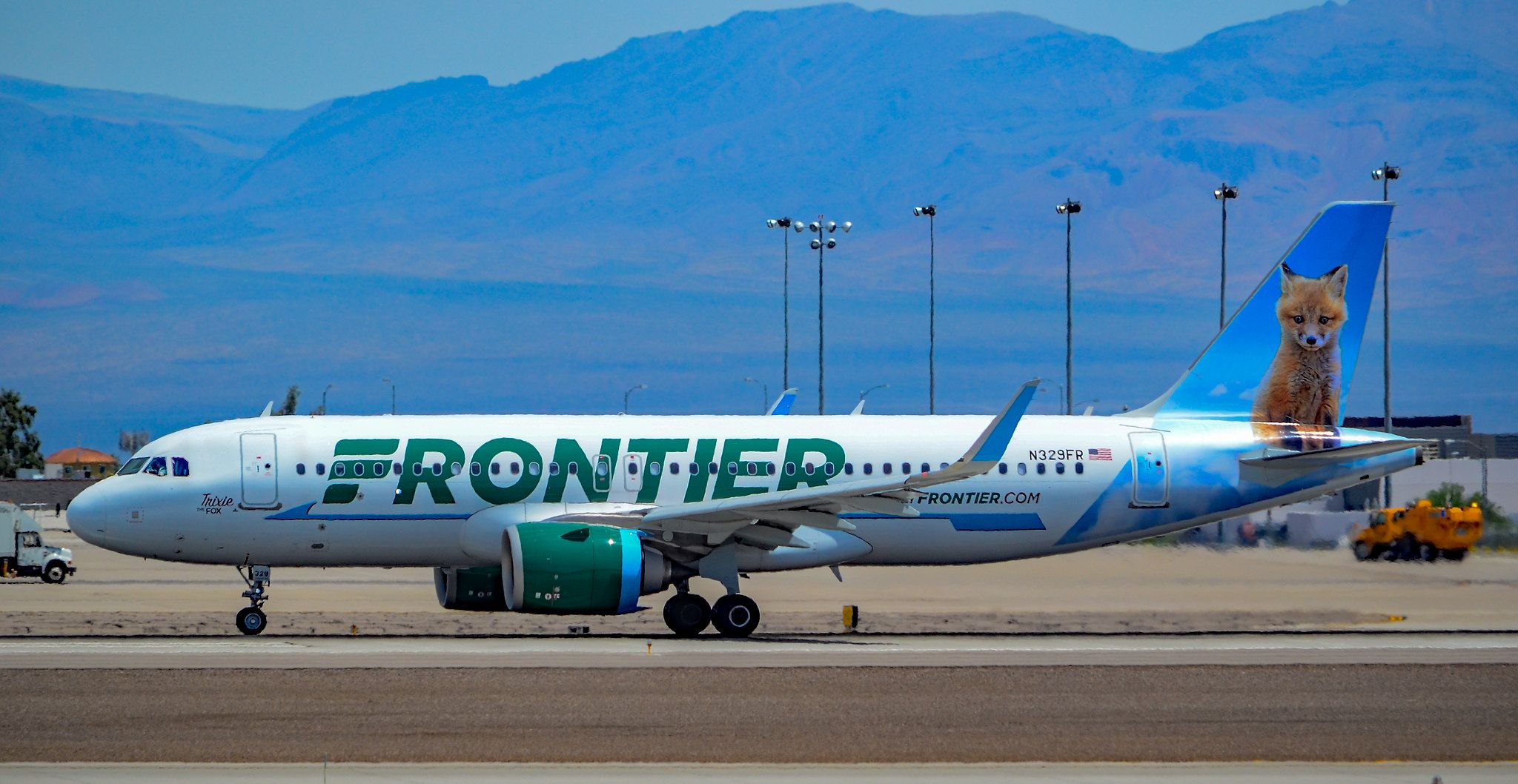 N329fr Frontier Airlines Airbus A320 251n S N 8135 Trixie The Fox