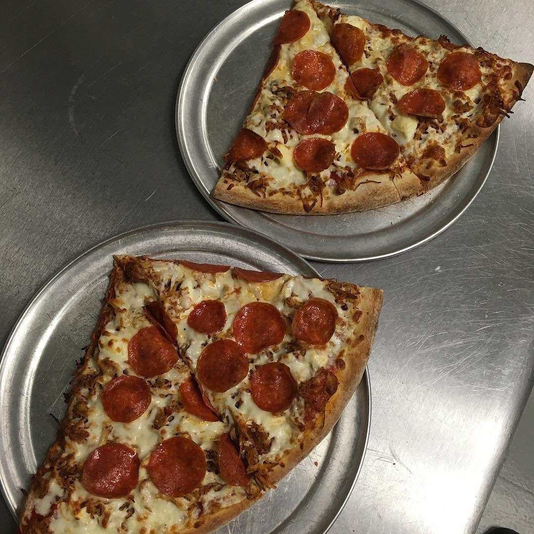 Double punch day!! #buylocal #LNK #pizza #nomnom https://www.instagram.com/p/BOPw4B_jteN/ via http://lazzarispizzasouth.com/36152