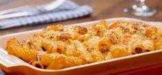 Video-Rezopt Rigatoni al forno  Mit den Rigatoni al forno bekommt ihr ein italienisches Soulfood: Röhrennudeln treffen auf eine köstliche Hackfleisch-Schinken-Soße und herzhaften Käse.