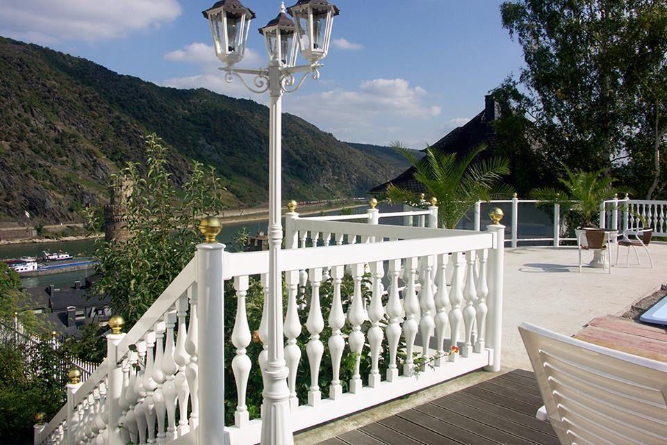 Neben einer breiten Auswahl an Geländern bieten wir Ihnen mehrere - terrassen gelander design