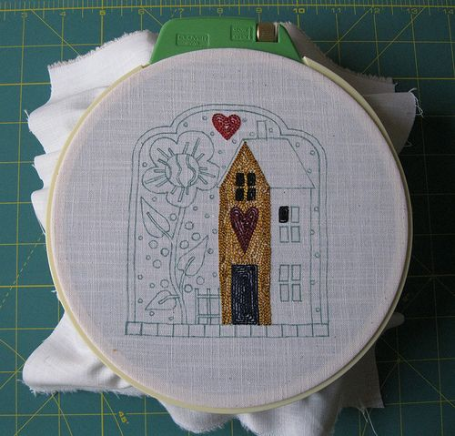 lavori in corso: Sunflower House Punch Needlework