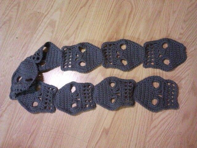 Knitting Pattern Skull Scarf : Skull scarf my Crochet items Pinterest Skulls, Scarfs and Skull scarf