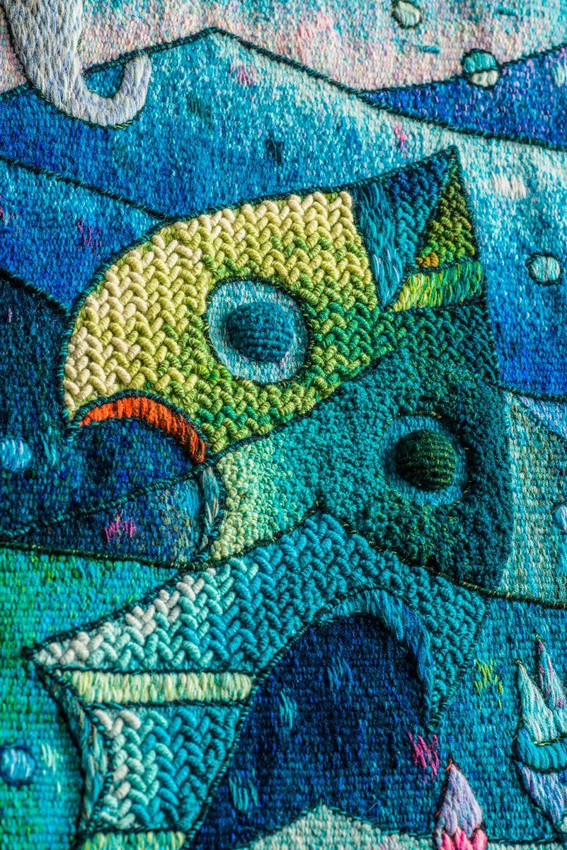 """Fruto abundante del mar I"". 120 x 120 cm. Detail. Hand Woven Tapestry, Peruvian Tapestry by Máximo Laura. Alpaca, cotton and mixed fibers. #Art #TapestryArt #Peru #WeavingTapestry #PerúTextiles"