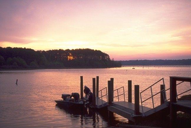 Sunrise over Toledo Bend Reservoir, near Zwolle, Louisiana ...